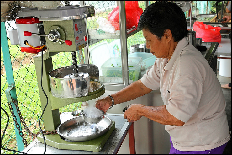 Popular ais batu campur: Aunty Koh, Malacca