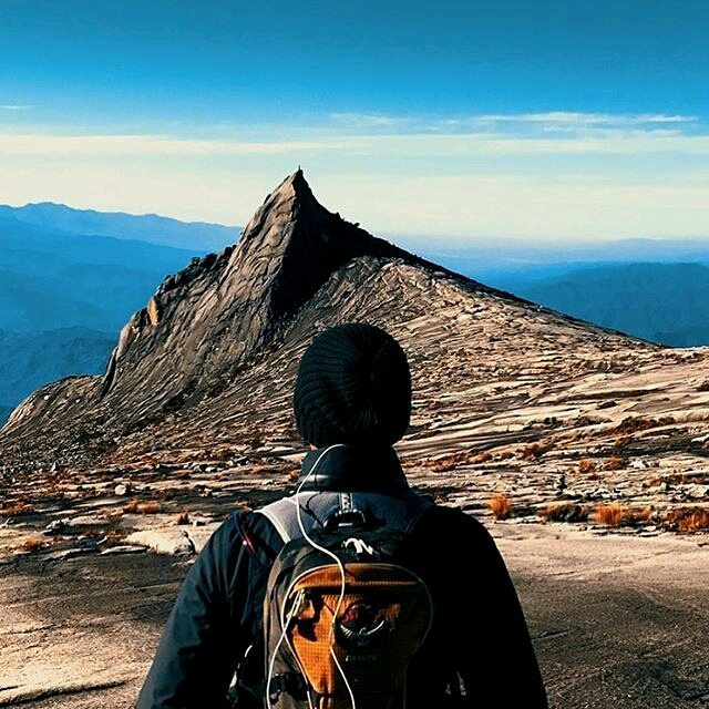 Mount Kinabalu Climbing Tips and Guides - the peak
