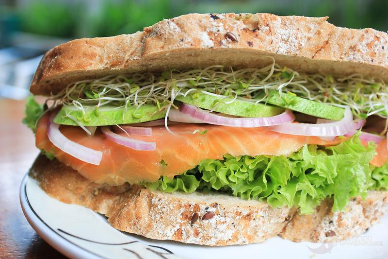 The bestseller is their wholesome deli sandwich called the Swimming Salmon with fresh smoked salmon, asparagus, mixed salad and mayonnaise.
