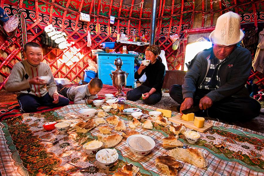 Tasting Kyrgyzstan famous food