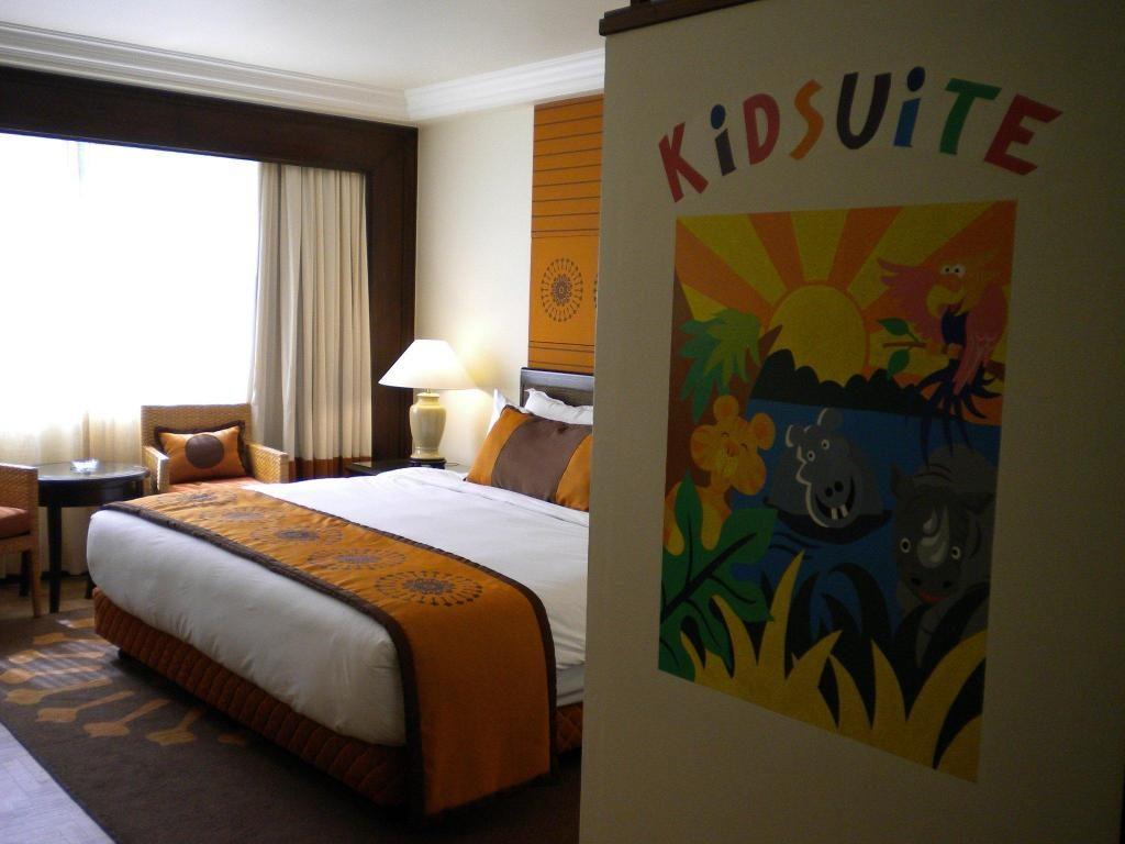Kid Suite yang terdapat di hotel Holiday Inn, Penang yang mesra untuk kanak-kanak