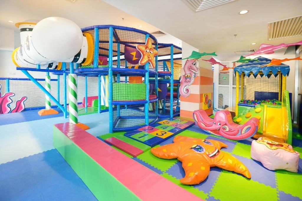 Kawasan permainan yang mesra untuk kanak-kanak