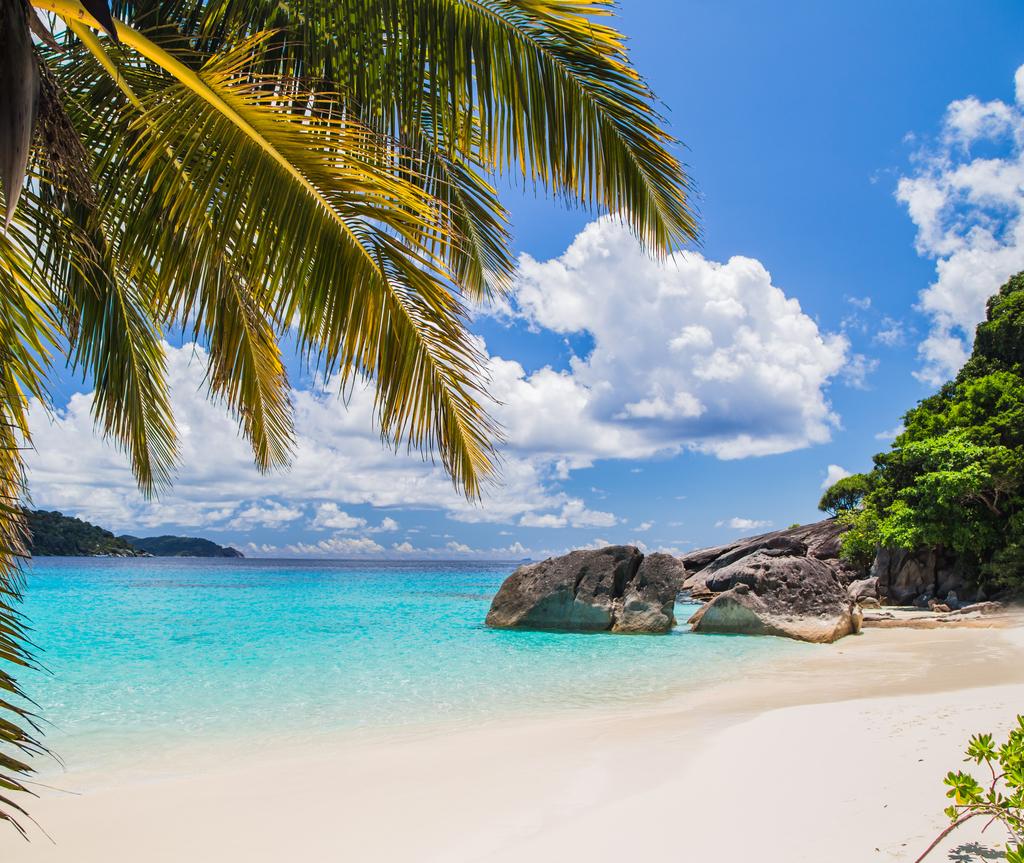 Pulau Similan terletak di Phuket