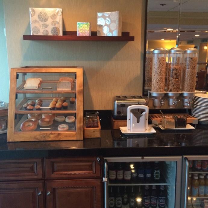 lounge breakfast2