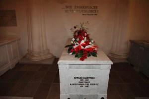 Rogalin - grób hrabiego Edwarda Bernarda Raczyńskiego