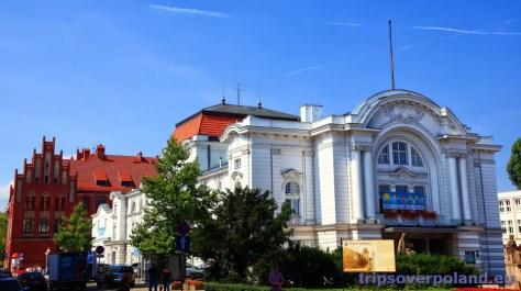 gmach teatru Wilama Horzycy