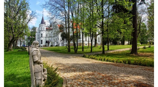 Pałac Sulisław – zabytek uratowany przez Herosa Polskiej Gospodarki