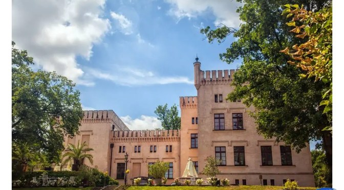 Pałac Śródka – piękno zwrócone