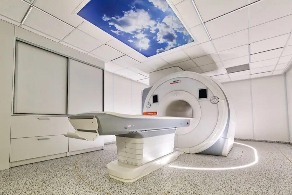 Wnętrza MIRAI Clinic - zdjęcia ze strony: https://miraiclinic.pl