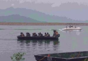 Marcos Commando Carry Out Search Operation In Ranjit Sagar Dam Helicopter Crash Case