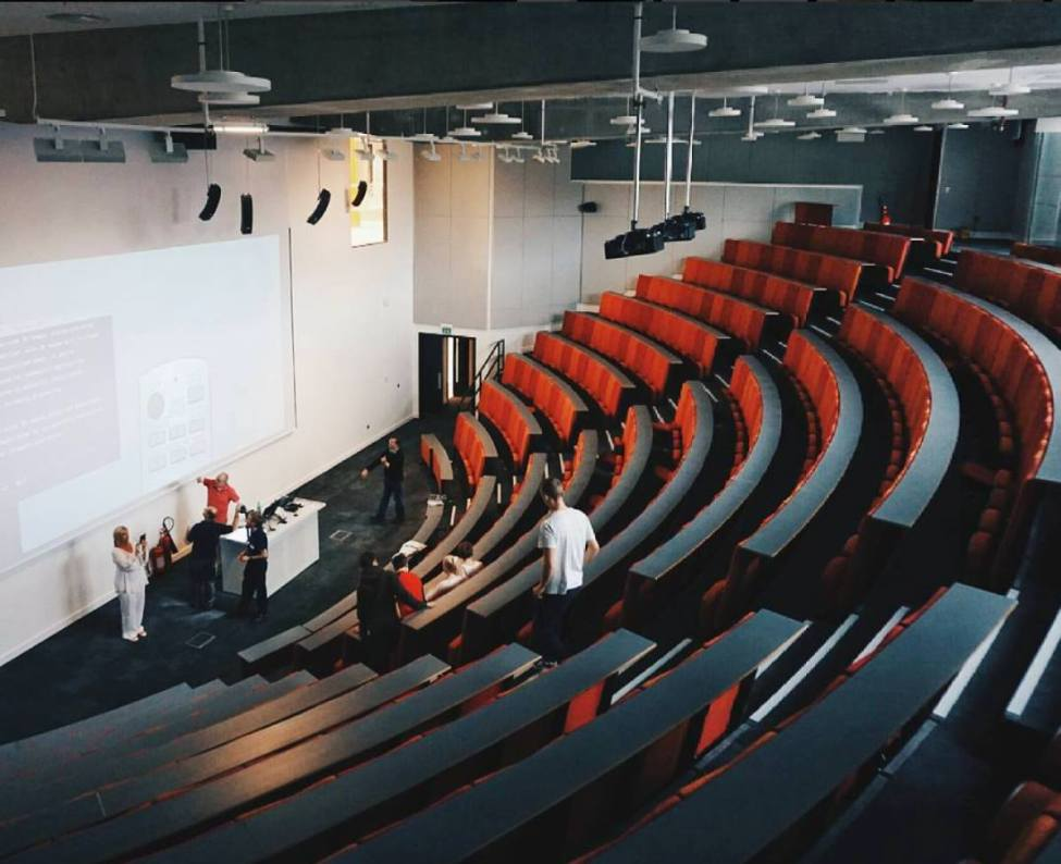 Lecture theatre in Diamond