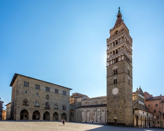 02 Pistoia, Piazza Duomo and bell tower