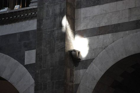03 Inside the Cathedral of Pisa following the sunray