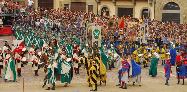 03_01 Giostra del Saracino Entrance of the Knights xF