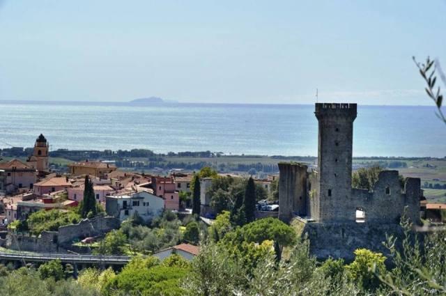 07 Castelnuovo Magra credits pag uff Torre del Castello dei Vescovi di Luni - Castelnuovo Magra SP_01