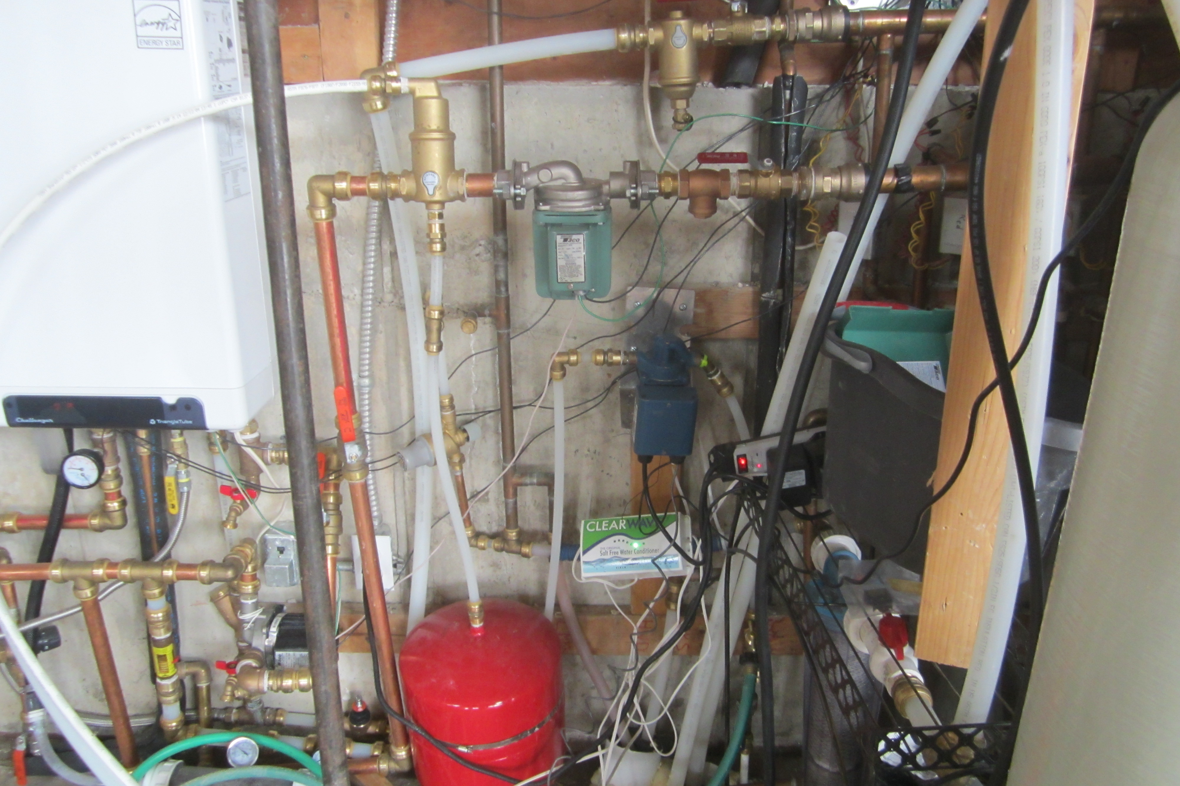 Hot Water Recirculation Problem Twinsprings Research Institute Taco Pump Electrical Wiring 006 Stainless Dark Blue Installedwatts Pressure Reducer Just Visible On The Left Of Red Tank