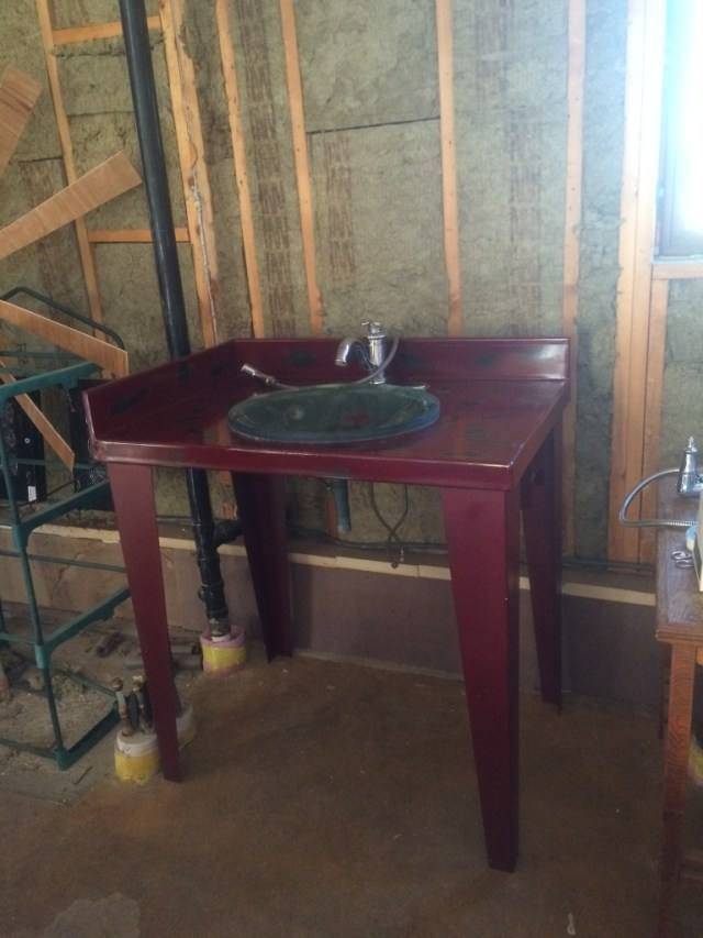 Red Metal Sink Stand