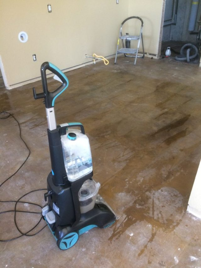 Trying a floor cleaning machine
