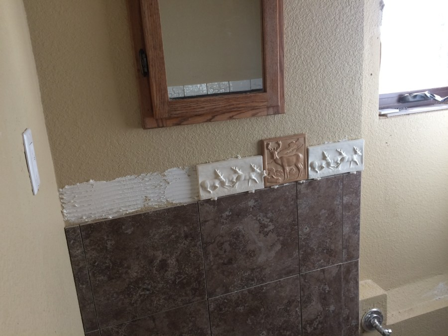 Gluing the sink tiles