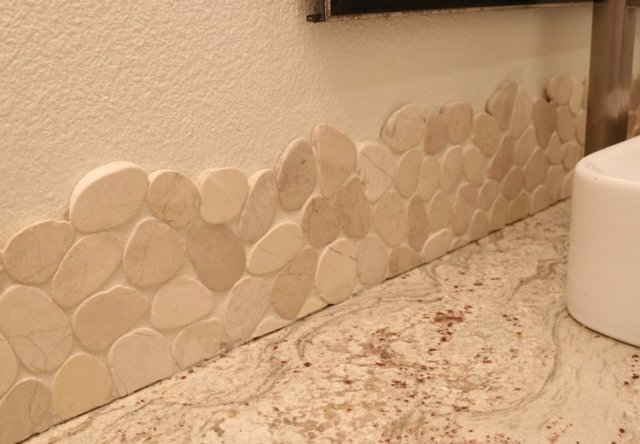 Inspiration for natural pebble edge