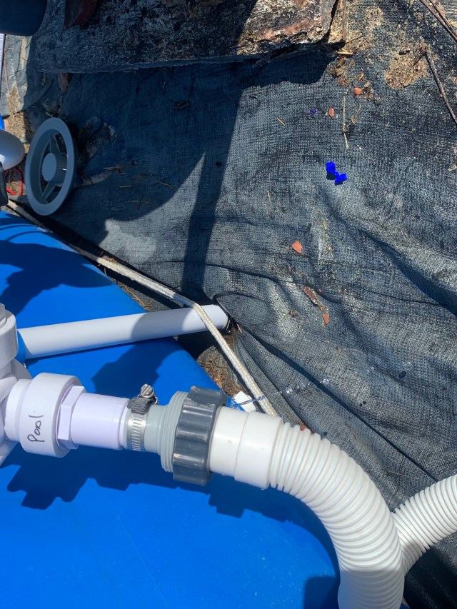 Huge leak at pool return hose.