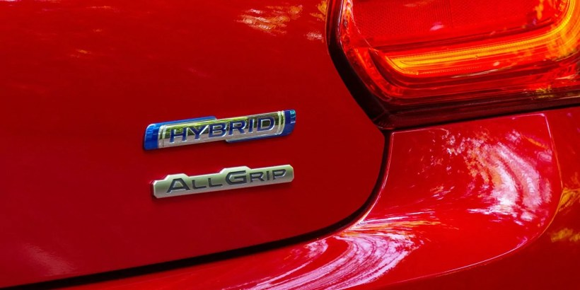 Suzuki introduce new 48V hybrid