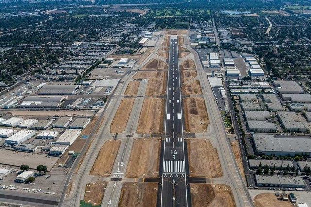 Van Nuys Runway Night Closure