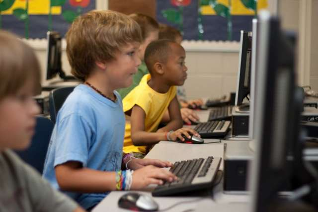 The challenges facing online education.