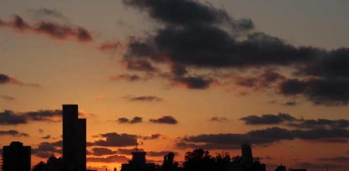 שקיעה מעוננת מעט – 4/7/2012