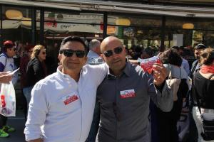 משמאל, יגאל שאלתיאל ממארגני ההפגנה