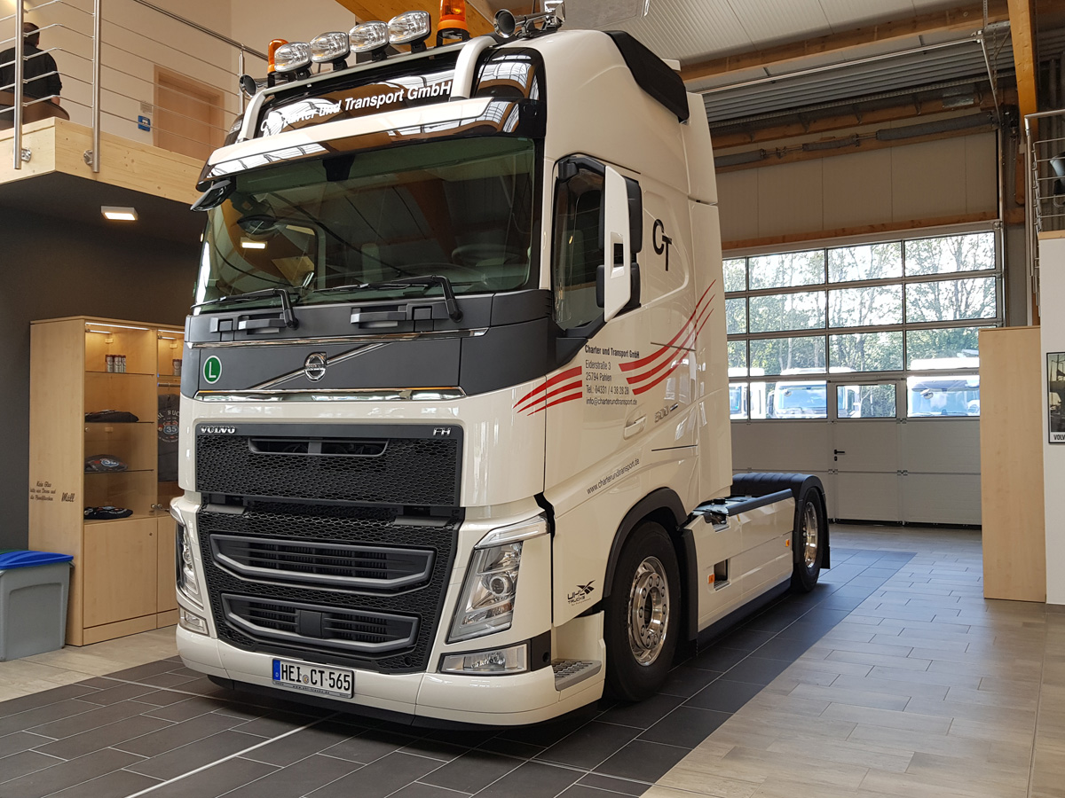 20190913-CT-Charter-Volvo-FH-1