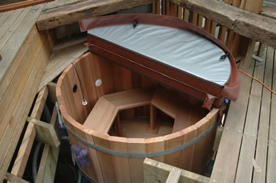 Ukko Four Person Cedar Hot Tub with Gas Heater and Jets