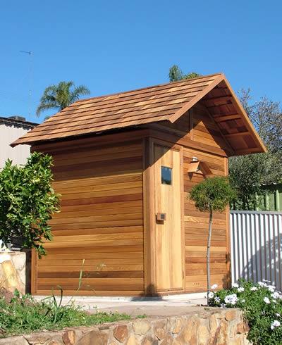 Ukko Cedar log sauna with roof package