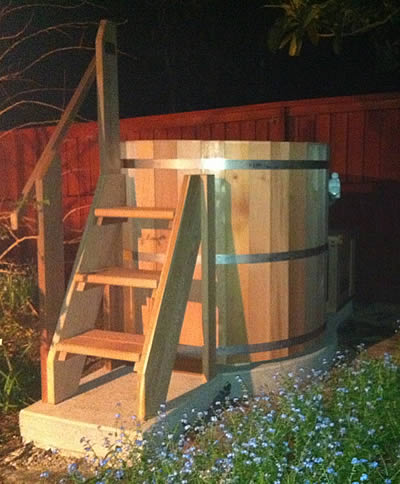 Ukko 4 person Cedar jacuzzi hot tub