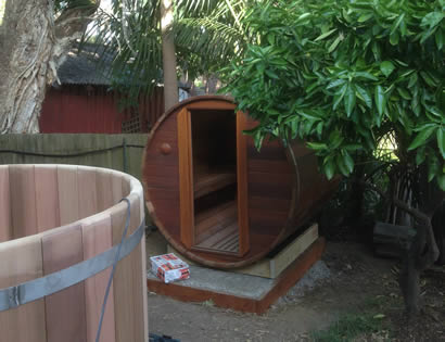 Barrel sauna and hot tub