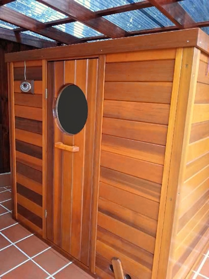 Ukko log sauna with digital controls