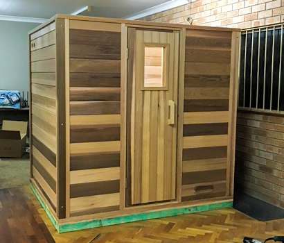 Main log sauna structure