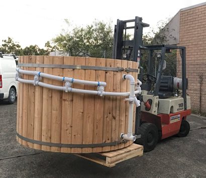 Tub on a forklift