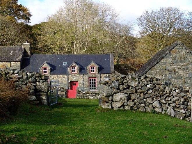 Cae einion cottage with red door