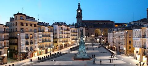 Aquest mes llegim :  El silencio de la Ciudad Blanca d'Eva García Sáenz de Urturi
