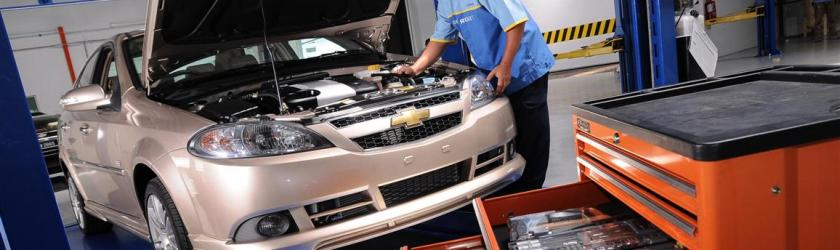 Do I Need To Have My New Vehicle Serviced At The Dealer Unhaggle Blog