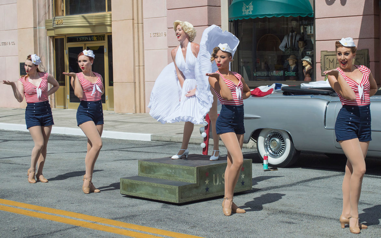 Live Entertainment Fills the Streets of Universal Studios Florida
