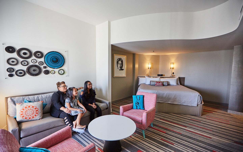Hard Rock Hotel - Kids Rock Star Suites - Lounging Area
