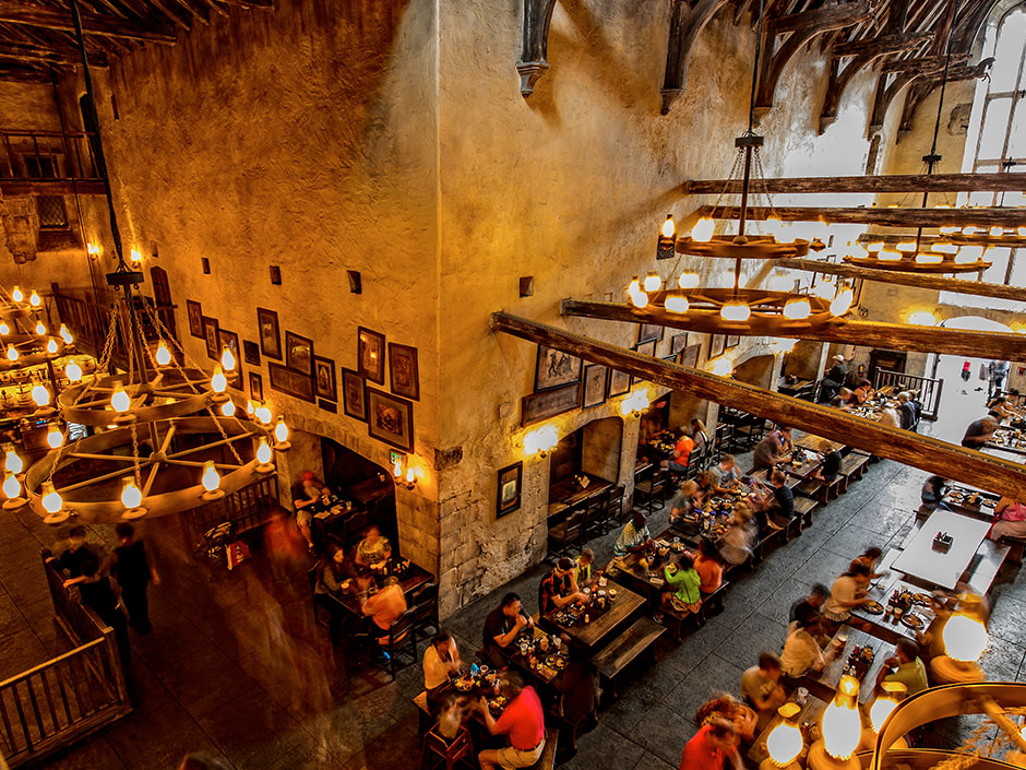 Leaky Cauldron in The Wizarding World of Harry Potter - Diagon Alley