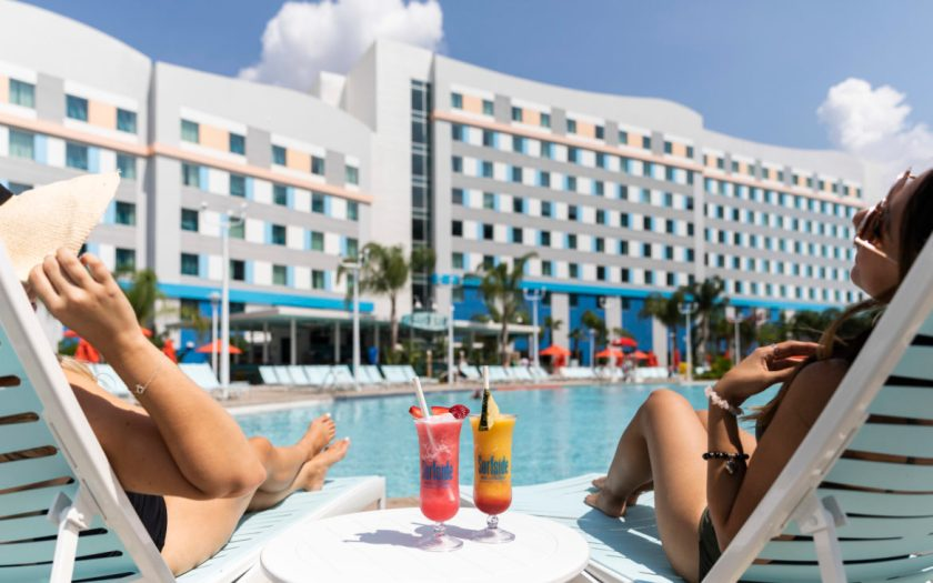 Universal's Endless Summer Resort - Surfside Inn and Suites Pool