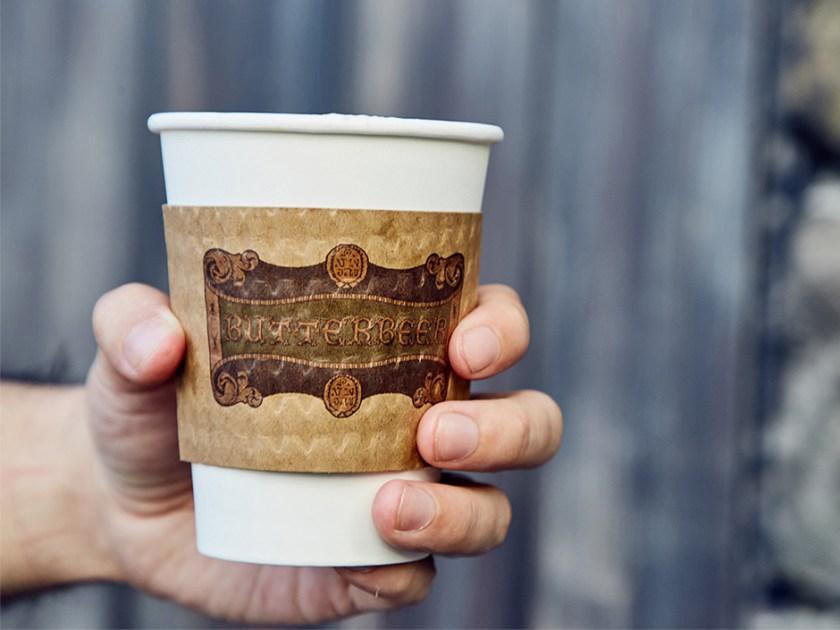 Cerveza de mantequilla caliente en El mundo mágico de Harry Potter
