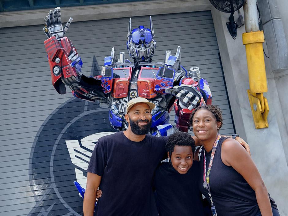 03_TRANSFORMERS The Ride - 3D Optimus Prime
