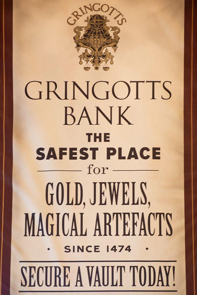 Harry Potter y la cola de escape de Gringotts - Posters