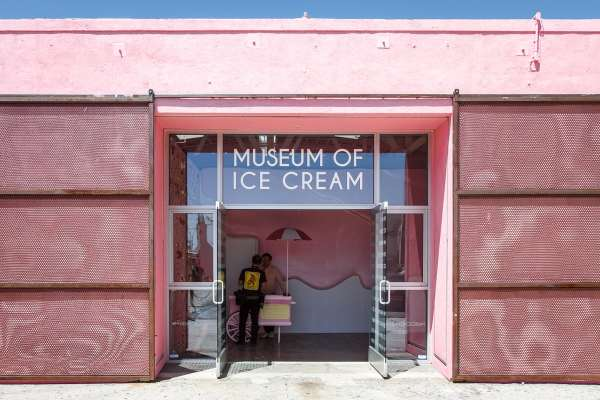 """""""museum Of Ice Cream"""" Opens In L. And Influencer Begging Unlokt"""