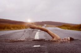 nageur sur route